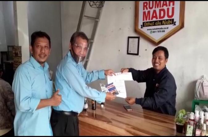 UMITRA Beri Beasiswa Keluarga Pengusaha UMKM  Lampung